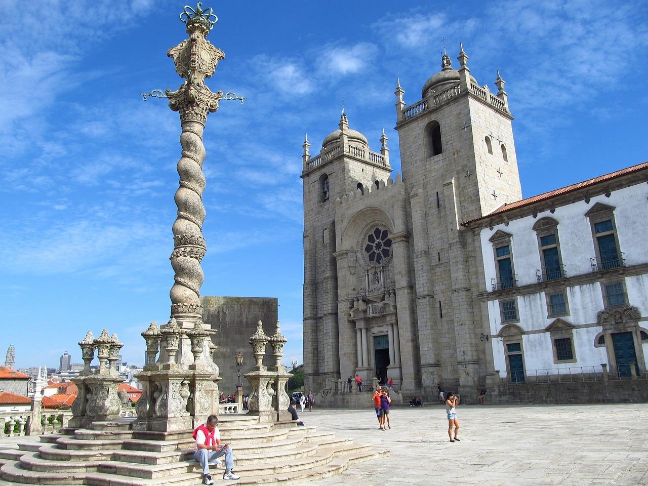 Découvrez la ville avec la location de voiture à Porto
