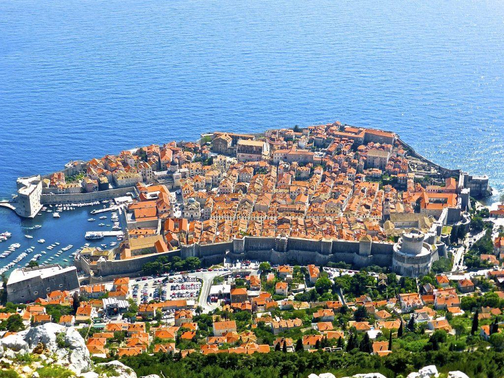 La location de voiture à Dubrovnik pour découvrir la cité