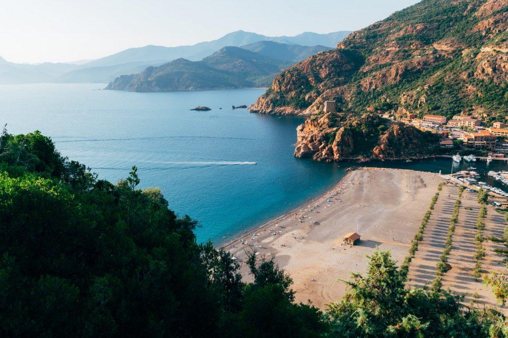 Corse, entre mer et montagne